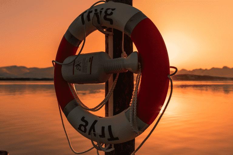 Read more about the article Quels sont les bons réflexes face à un danger dans le milieu aquatique ?